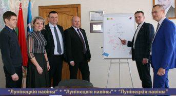 Анатолий Насеня посетил «Полесьеэлектромаш»
