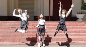Весенние школьные каникулы продлили на неделю
